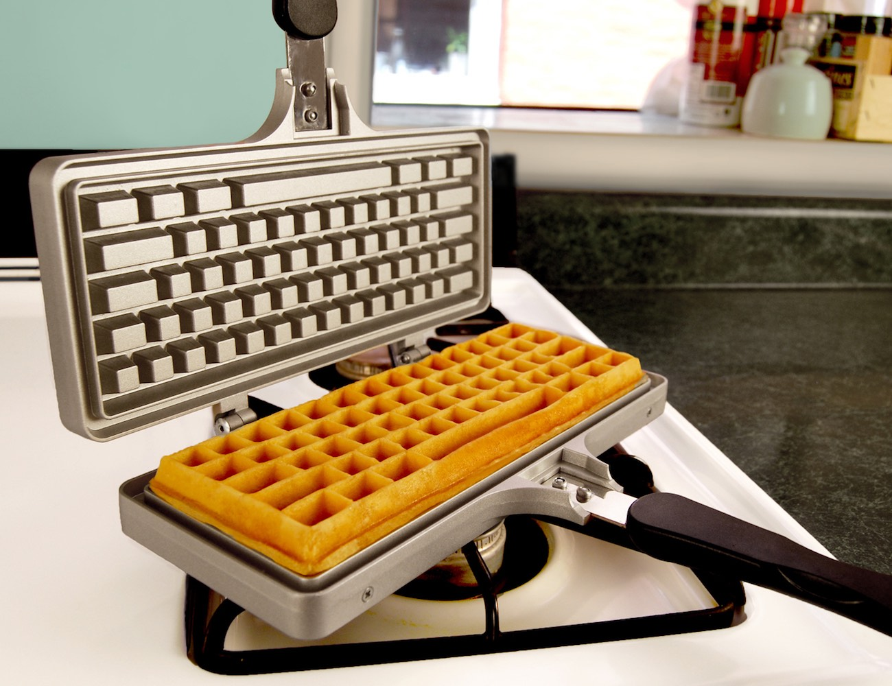 keyboard-waffle-maker-02