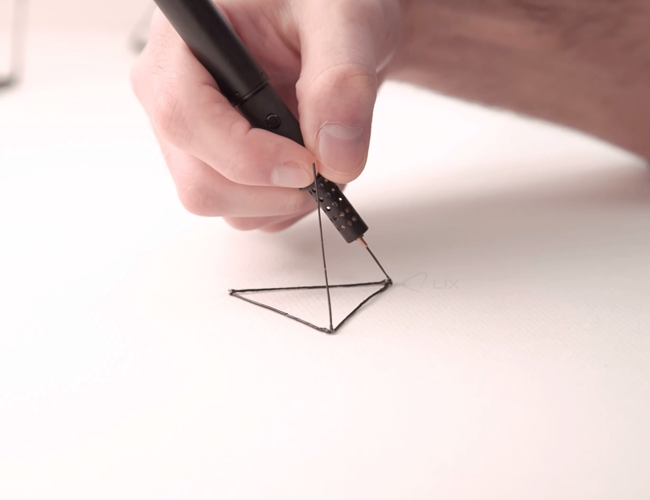 LIX+%E2%80%93+The+Smallest+3D+Printing+Pen+In+The+World