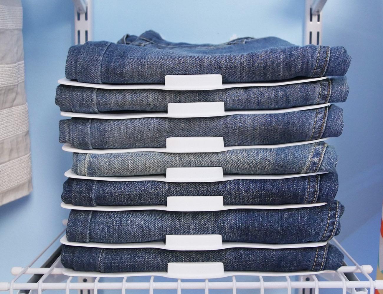 Magnetically Organizes your Closet
