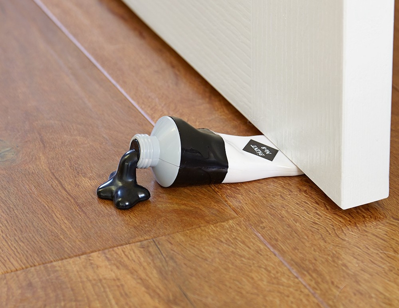 paint tube doorstop by bluw review. Black Bedroom Furniture Sets. Home Design Ideas