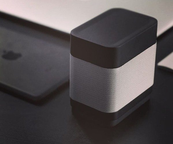 Pocket – The World's First 6-in-1 Portable Apple Watch Dock