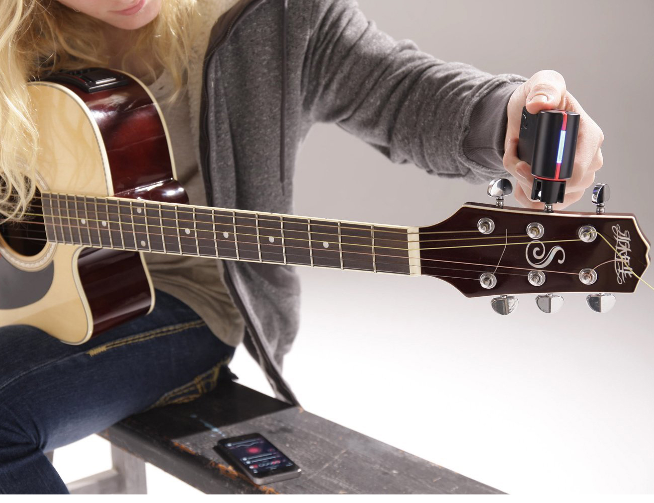 Roadie Tuner – Automatic Guitar Tuner