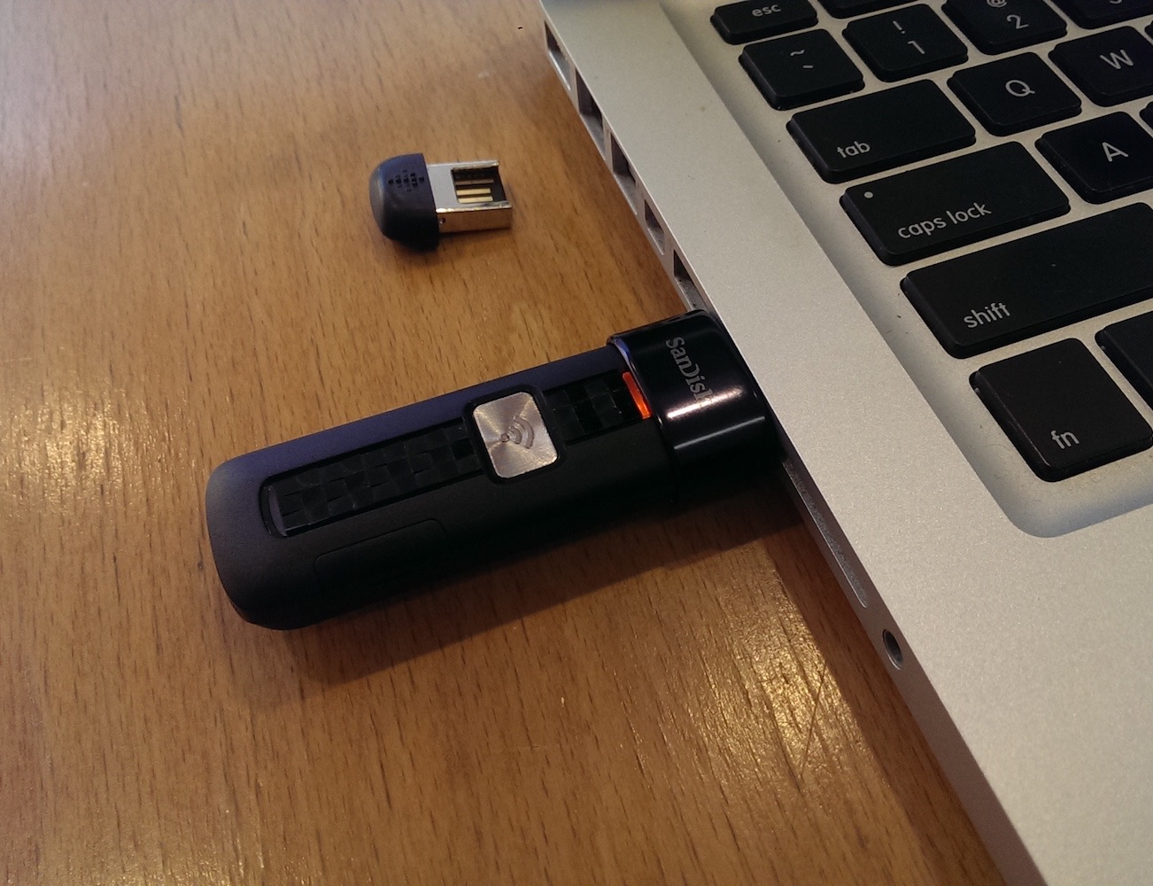 SanDisk Connect Wireless Flash Drive for Smartphones and Tablets