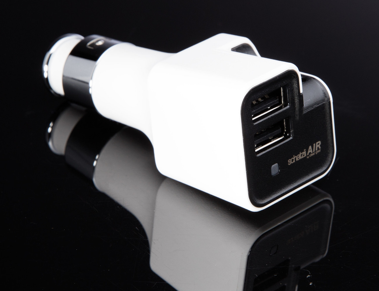 Schatzii AIR Ionic Car Air Purifier + Dual USB Car Charger