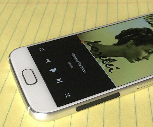 Strip – A Minimalist Solution for Slippery Premium Phones
