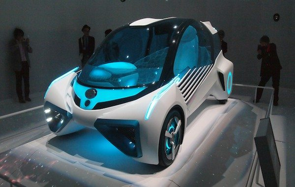 Toyota FCV Plus Concept: Powerful, Green and Social