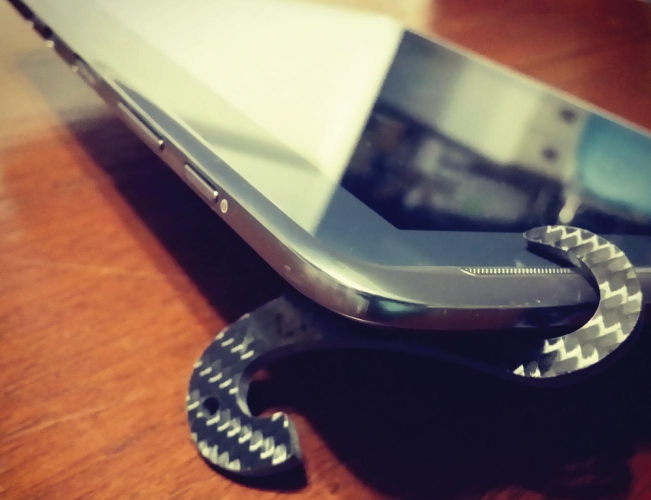 TheMiK – Smartphone Stand – EDC Bottle Opener