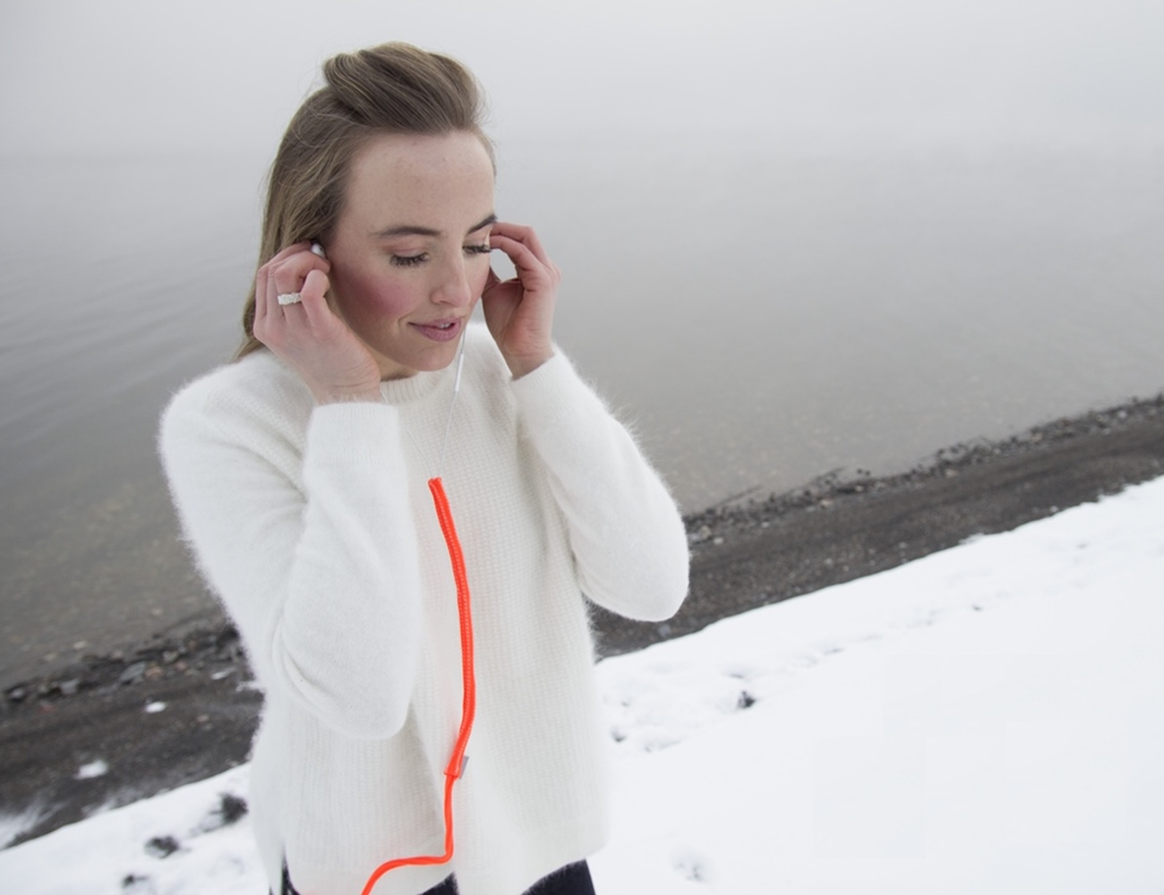 Turtleneck – Tangle Free Headphone System