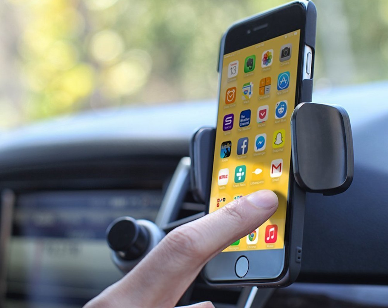Ventie – The Adjustable Car Vent Mount by Satechi