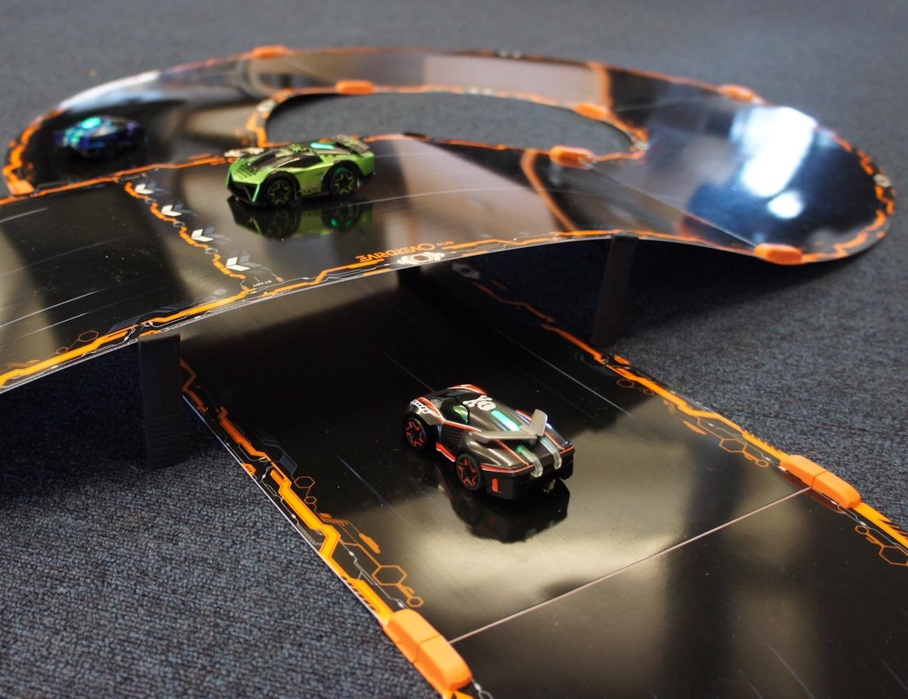 Anki OVERDRIVE Racetrack Starter Kit