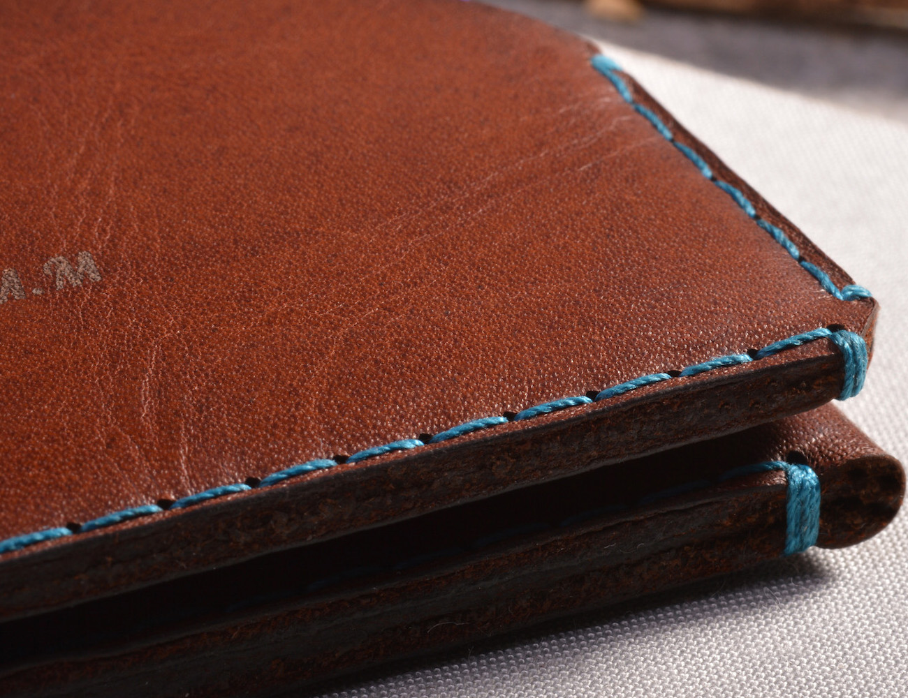 brown-leather-card-wallet-wingback-05