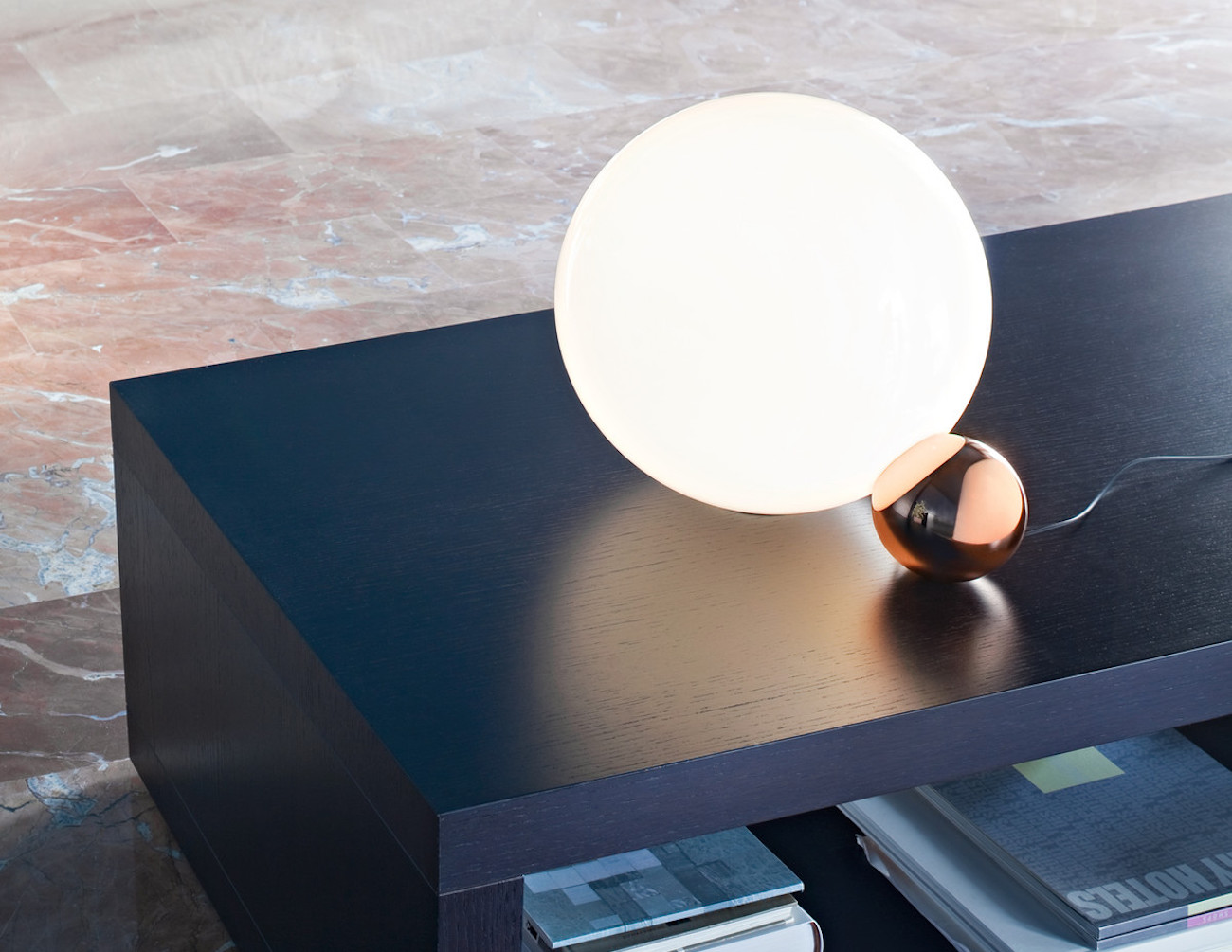 copycat-table-lamp-by-flos-02