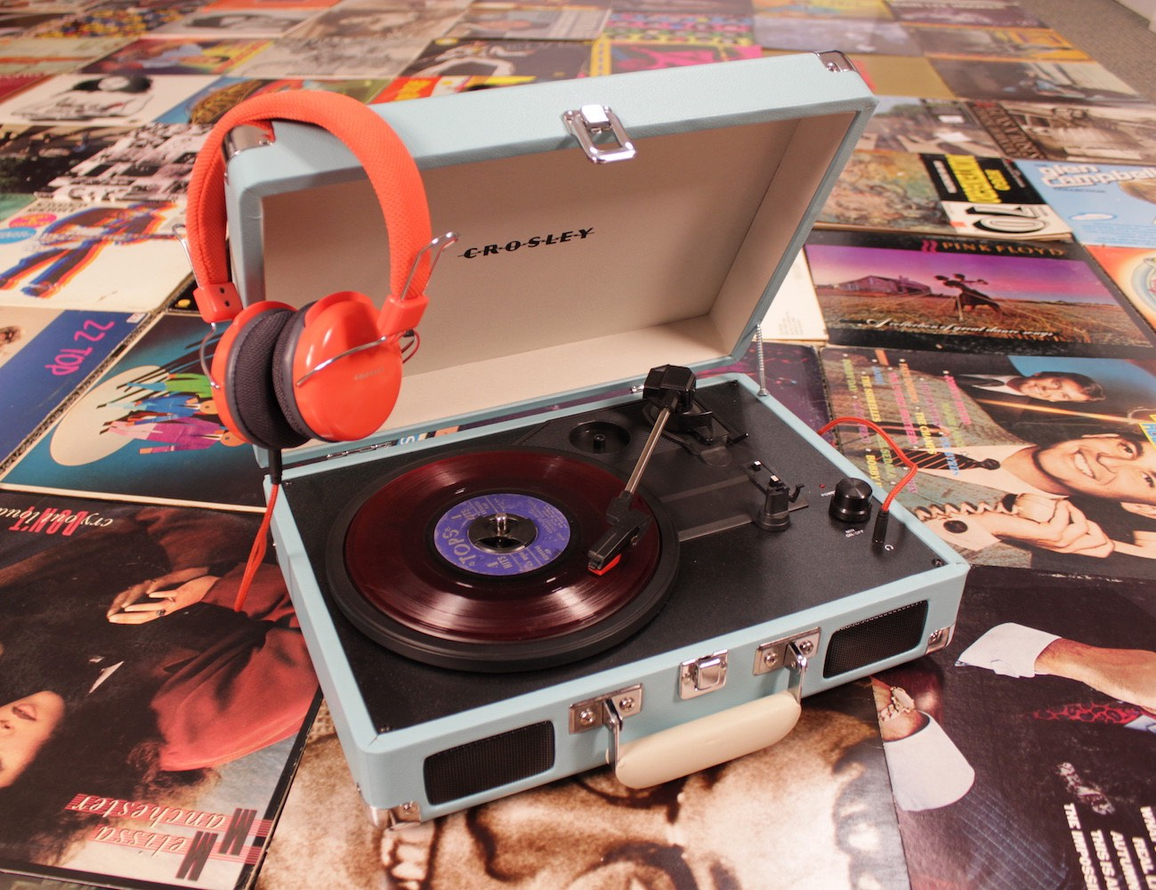 Crosley+Cruiser+Three+Speed+Portable+Turntable