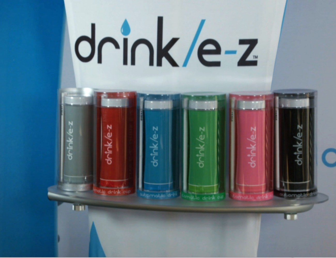 drink-e-z-the-automatic-drinking-cup-01