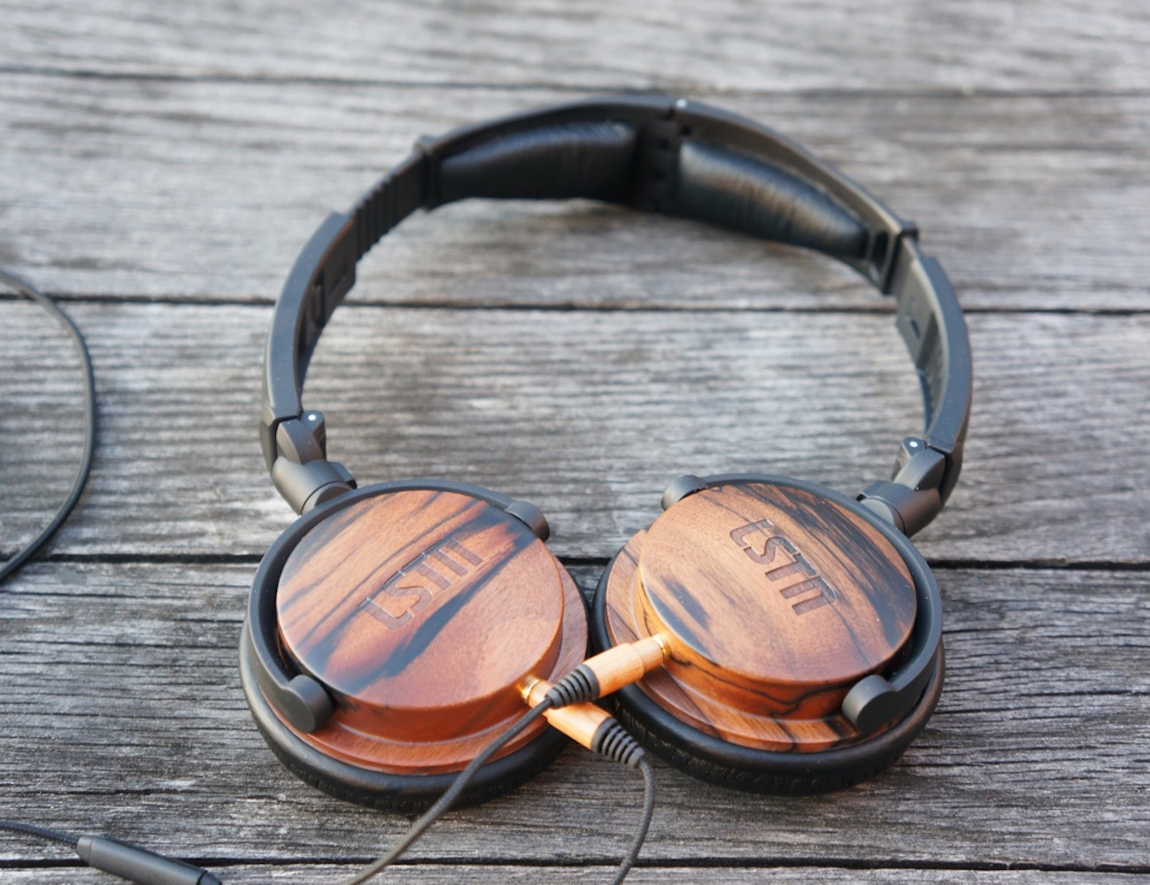 Ebony Wood Fillmores Headphones by LSTN