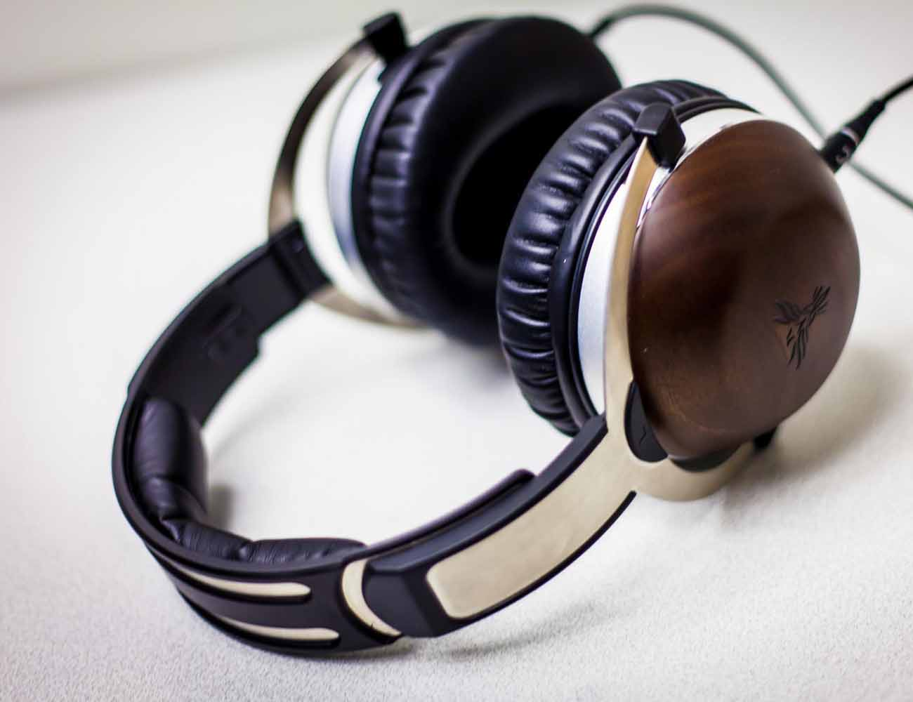 Feenix Aria Studio Grade Gaming Headset and Mic