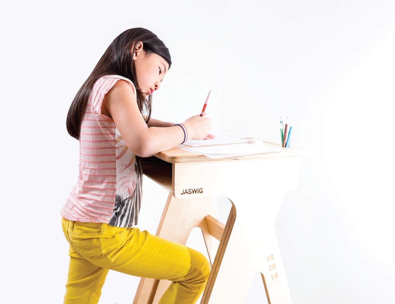 jaswig-standup-height-adjustable-desk-01