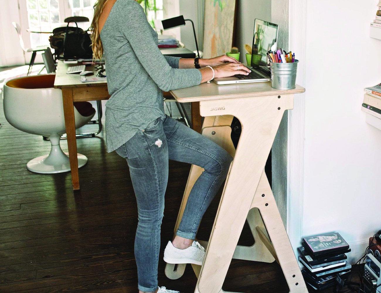 jaswig-standup-height-adjustable-desk-04