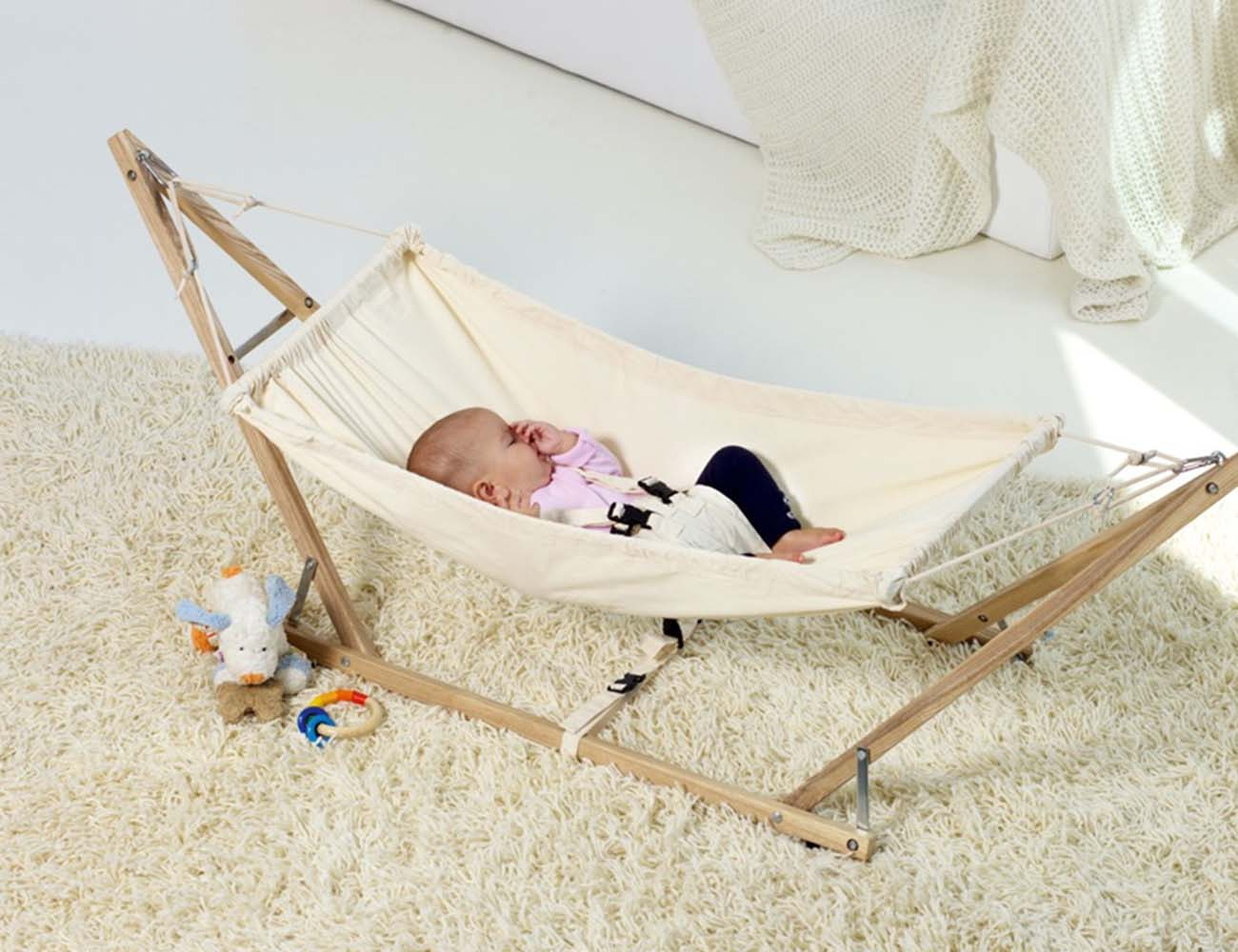 koala baby hammock and stand from cuckooland     koala baby hammock and stand from cuckooland    gadget flow  rh   thegadgetflow