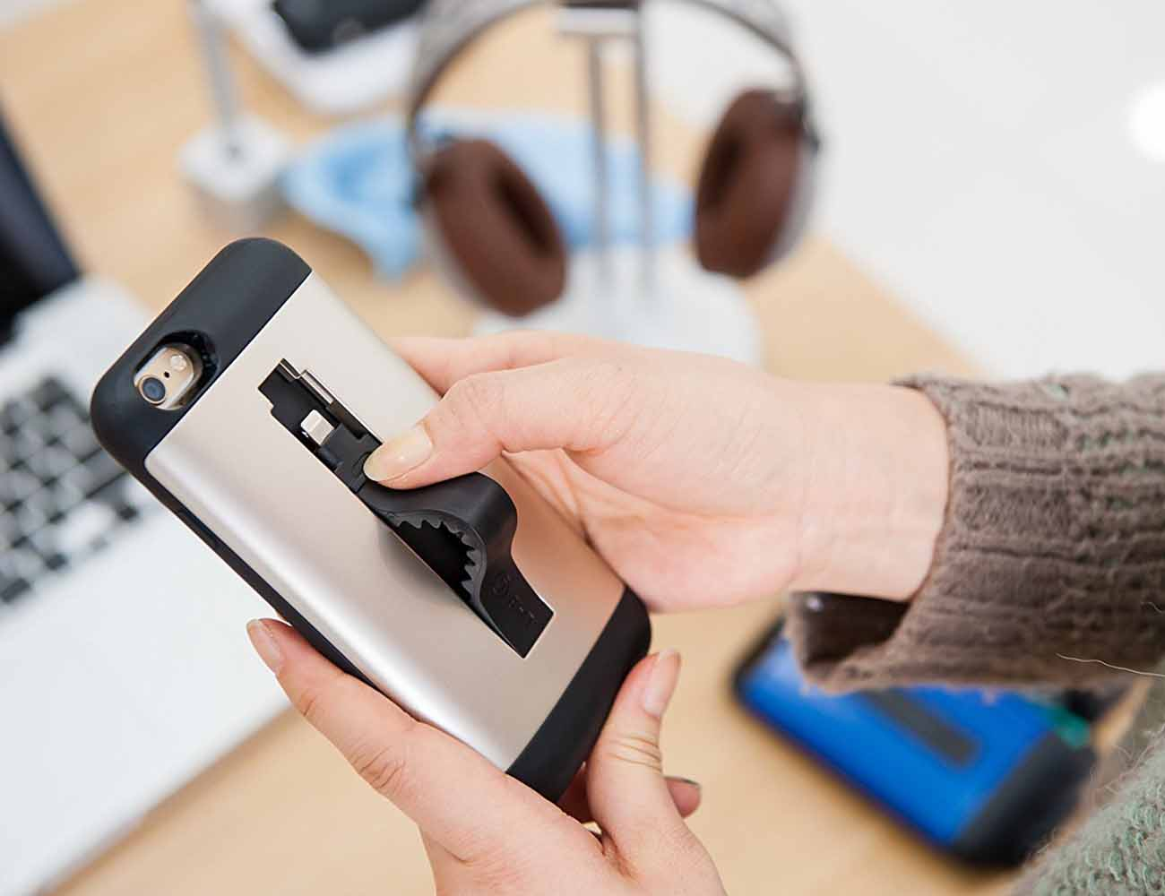 LAB.C Protective iPhone Case with Lightning Cable