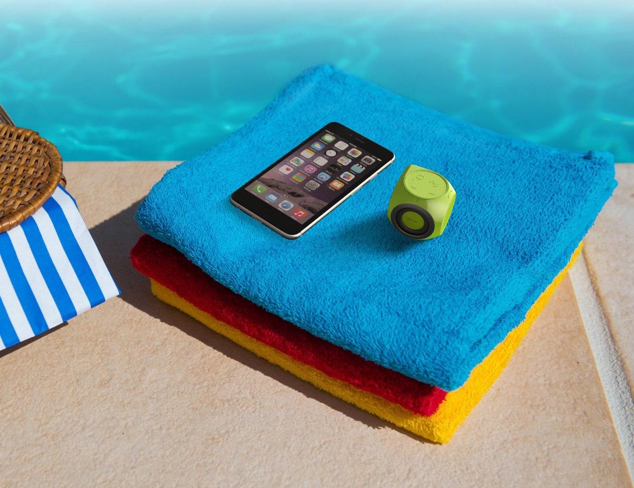 Mengo AquaCube – Waterproof Bluetooth Speaker