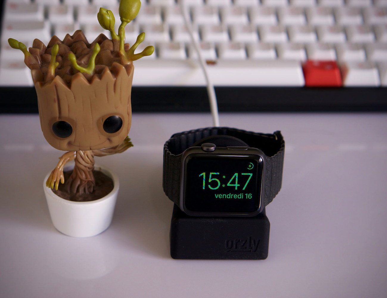 Orzly Nightstand for Apple Watch