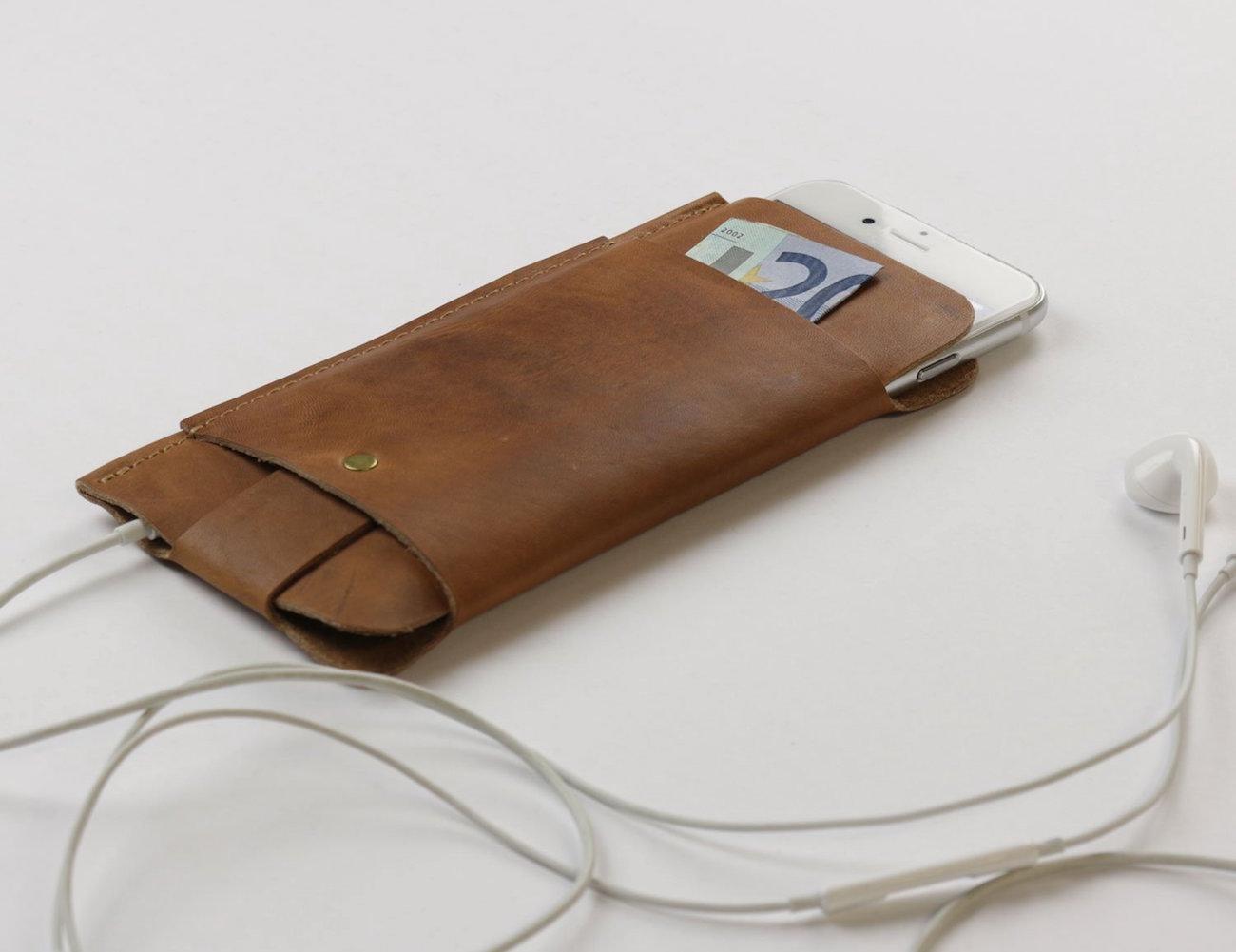 Slim Fit Vintage Leather Wallet & Sleeve by Alexej Nagel