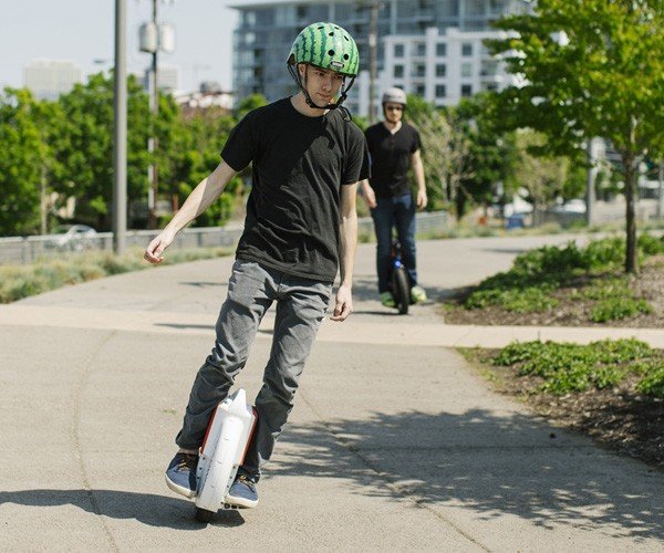 solowheel-xtreme-electric-unicycle-03