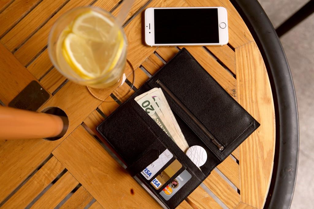 Wuvo in wallet