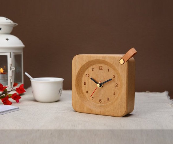 square-wood-alarm-clock-from-veasoon-02