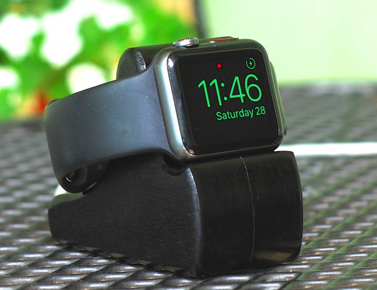 The RIPPLE Apple Watch Stand by SchuttenWorks
