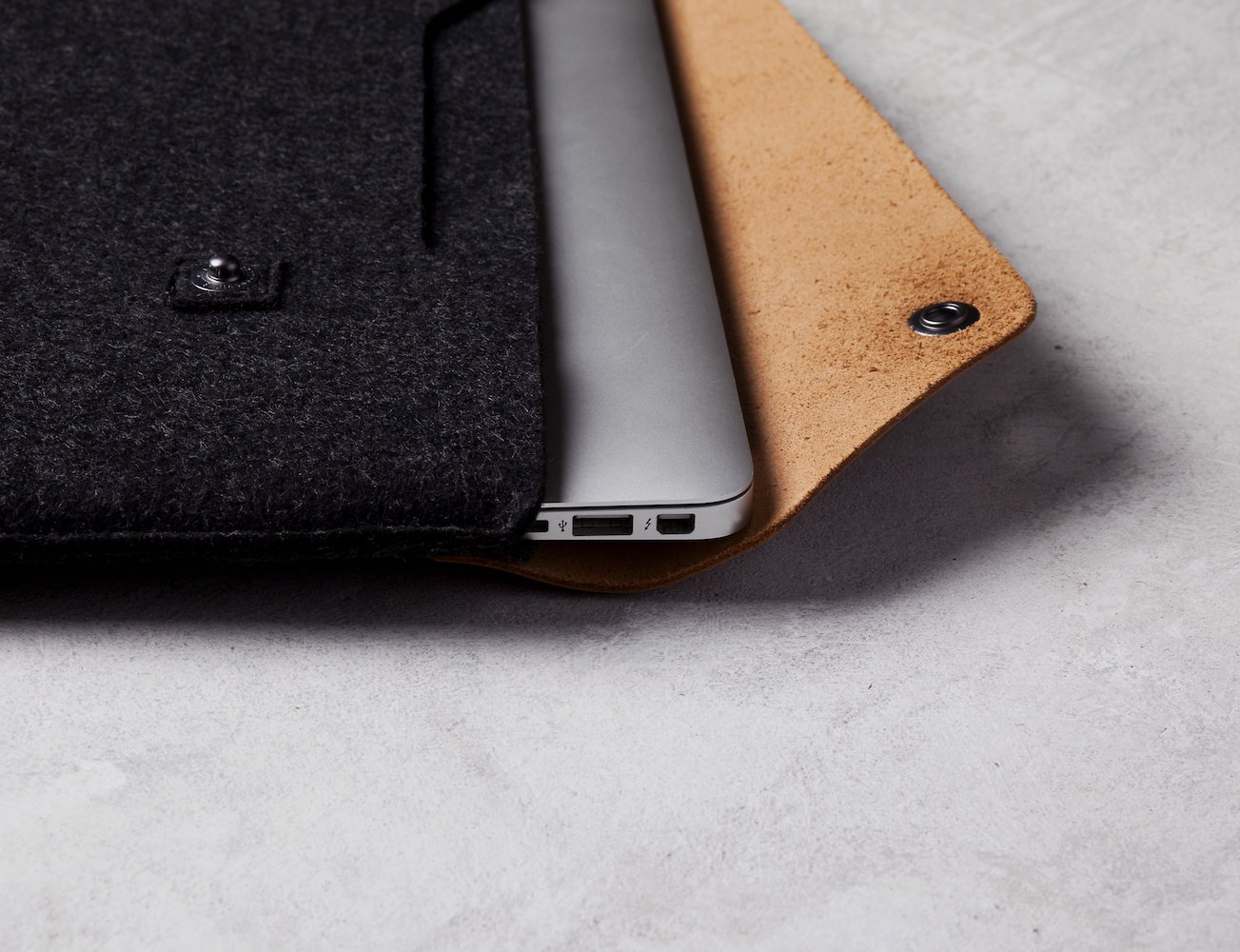 13″ Macbook Air & Pro Retina Sleeve by Mujjo