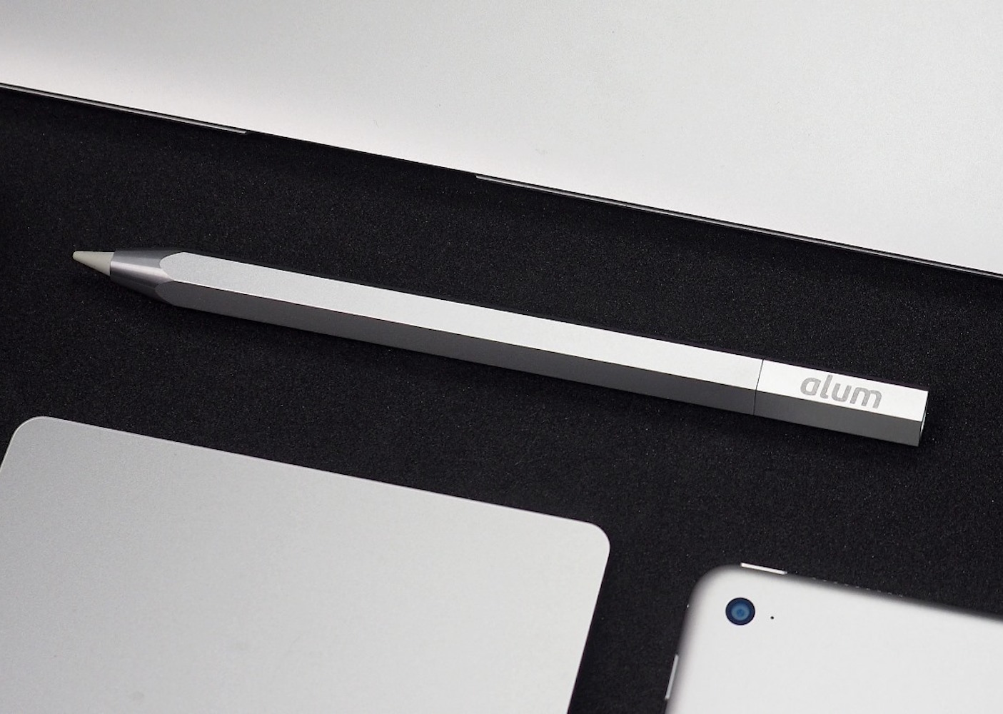 Alum Case – World's First Aluminum Case for the Apple Pencil