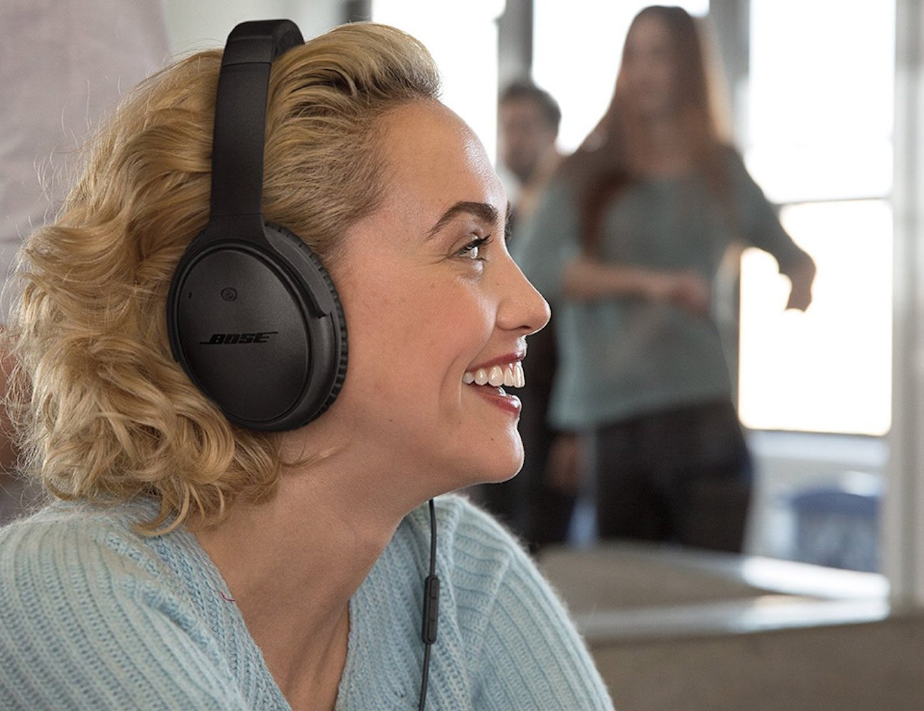 QuietComfort 25 Noise Cancelling Headphones From Bose