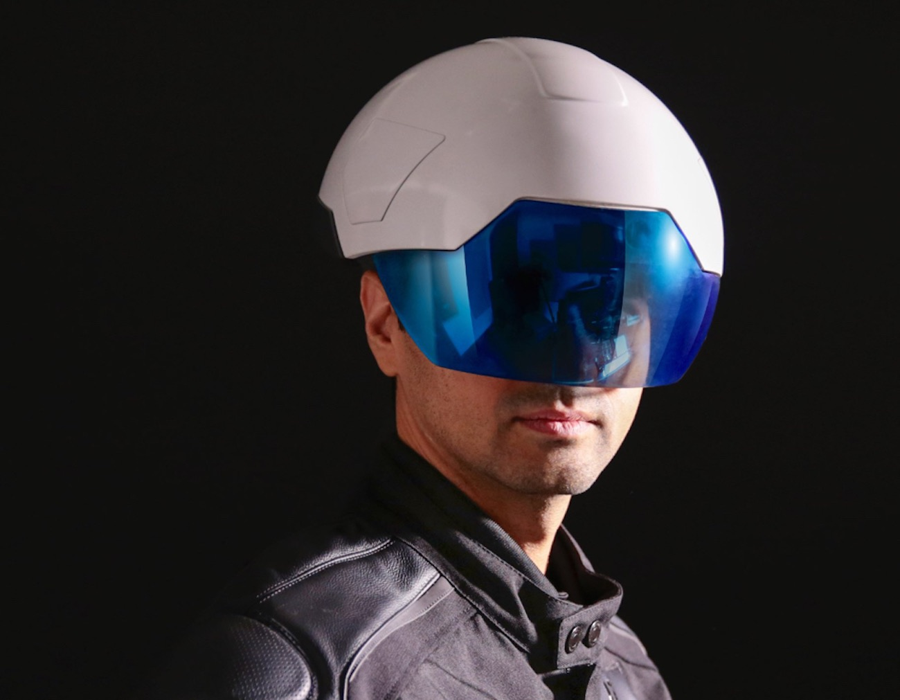 Daqri Smart Helmet – The Wearable Human Machine Interface