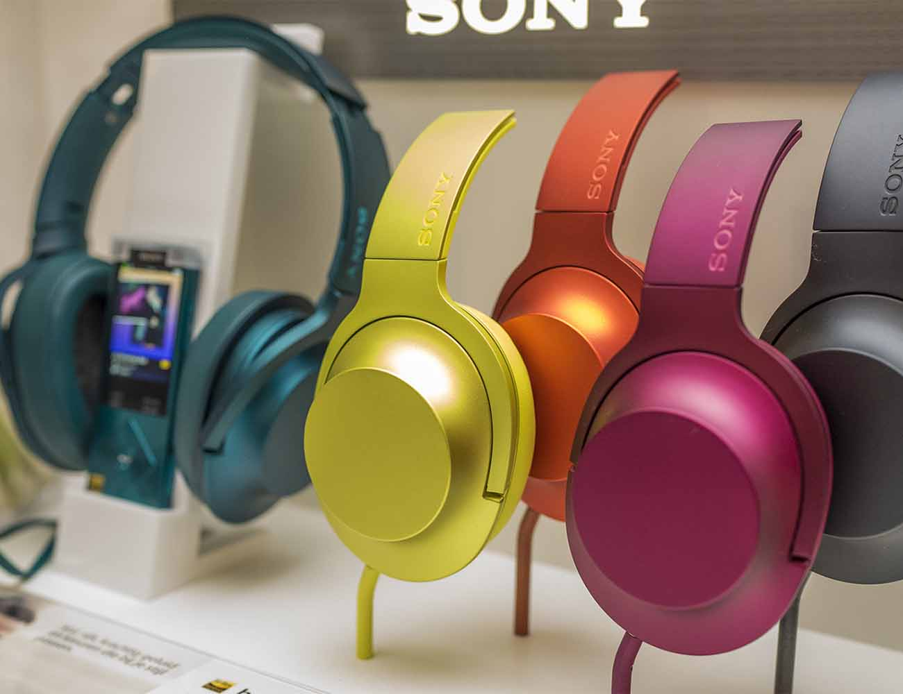 H.ear Headphones by Sony – High-Resolution Audio Quality With Striking Design