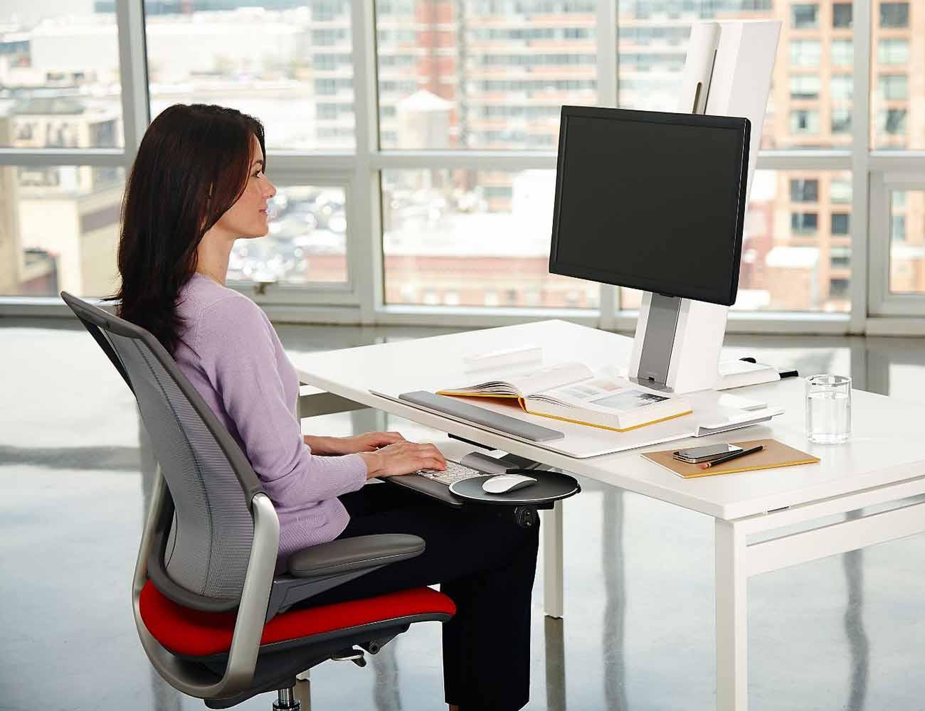 """Humanscale QuickStand Light <em class=""""algolia-search-highlight"""">Desk</em> Mount"""