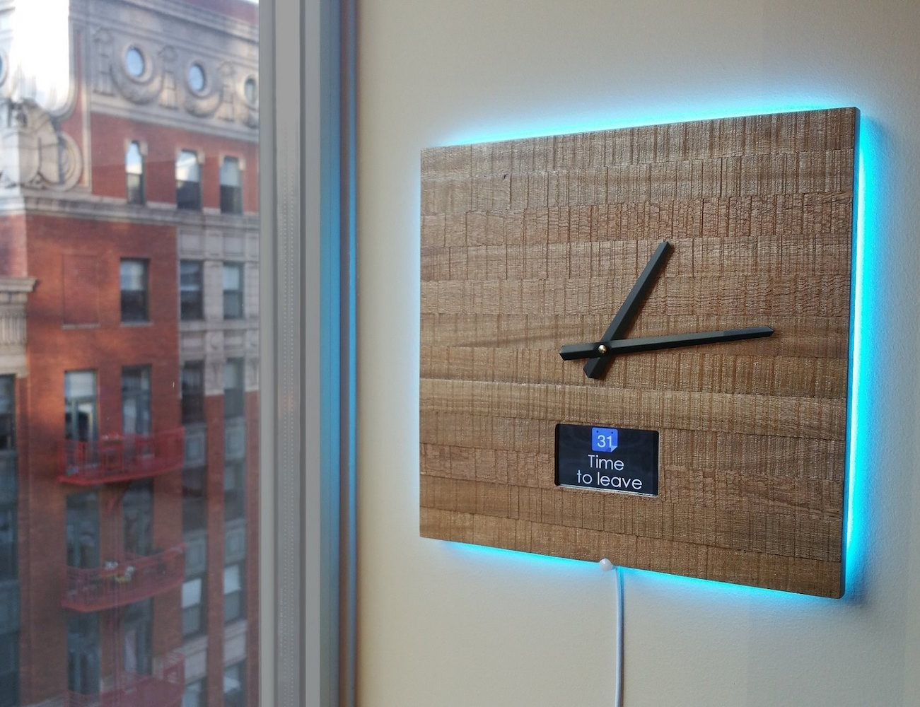 Ingrein Smart Clock – Stay Connected Without the Distractions