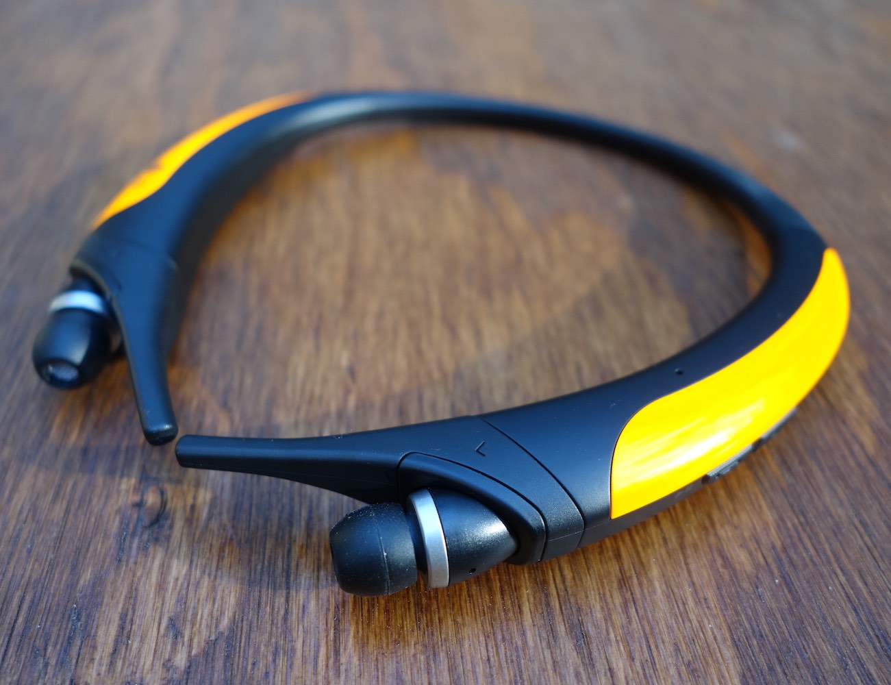 lg-tone-active-premium-wireless-stereo-headset-5