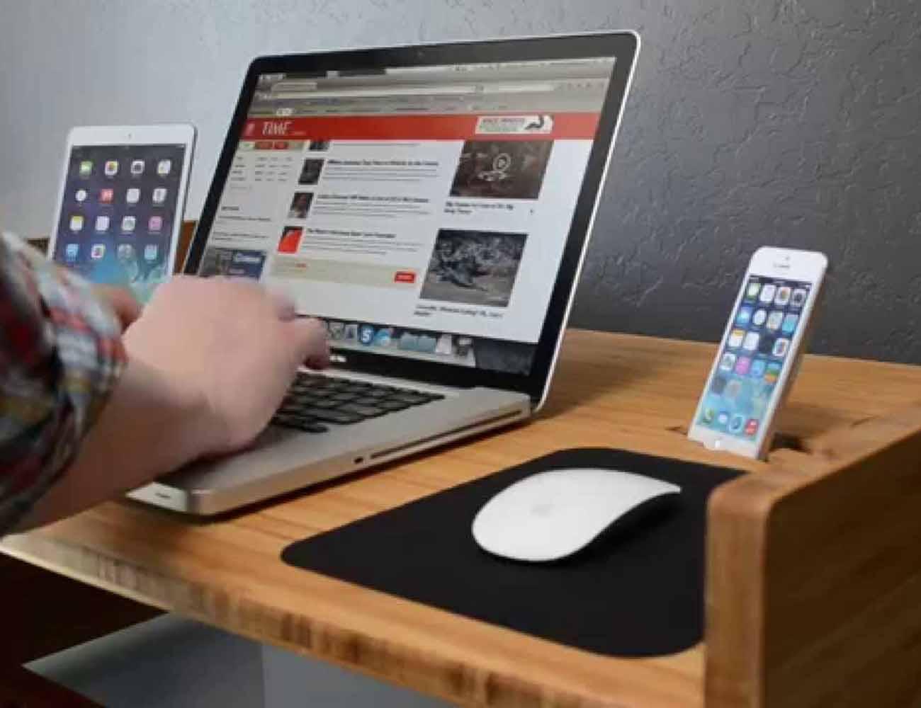 LIFT Adjustable Smart Desk by iSkelter