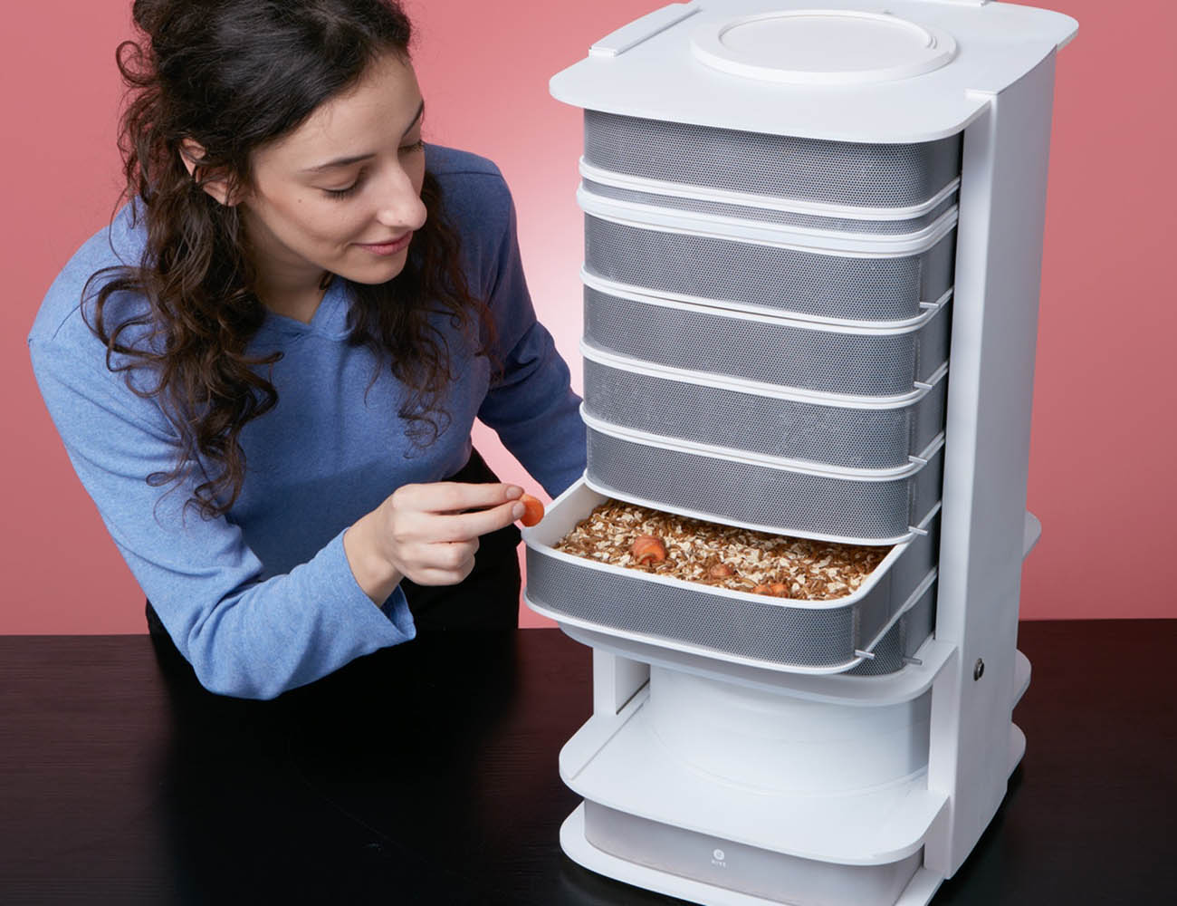 LIVIN Farm Hive – The World's First Edible Insect Desktop Hive