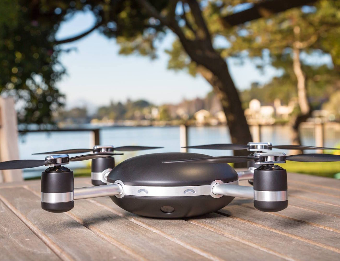 lily-a-camera-drone-that-follows-you-01