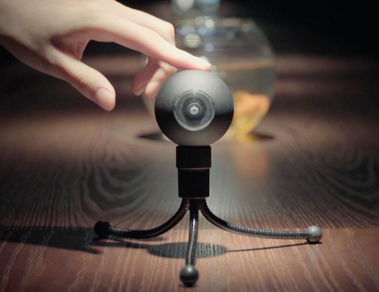 Luna – The World's Smallest 360° Camera