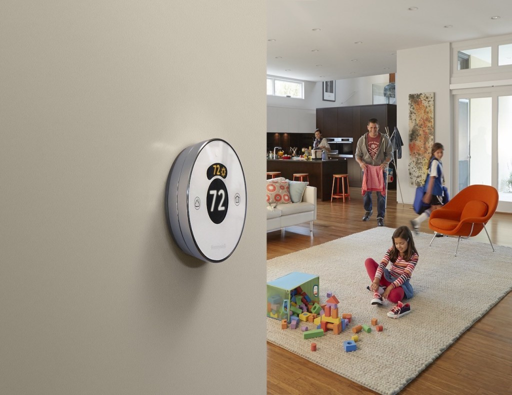 Lyric+Round+%E2%80%93+The+Second+Generation+Wi-Fi+Thermostat