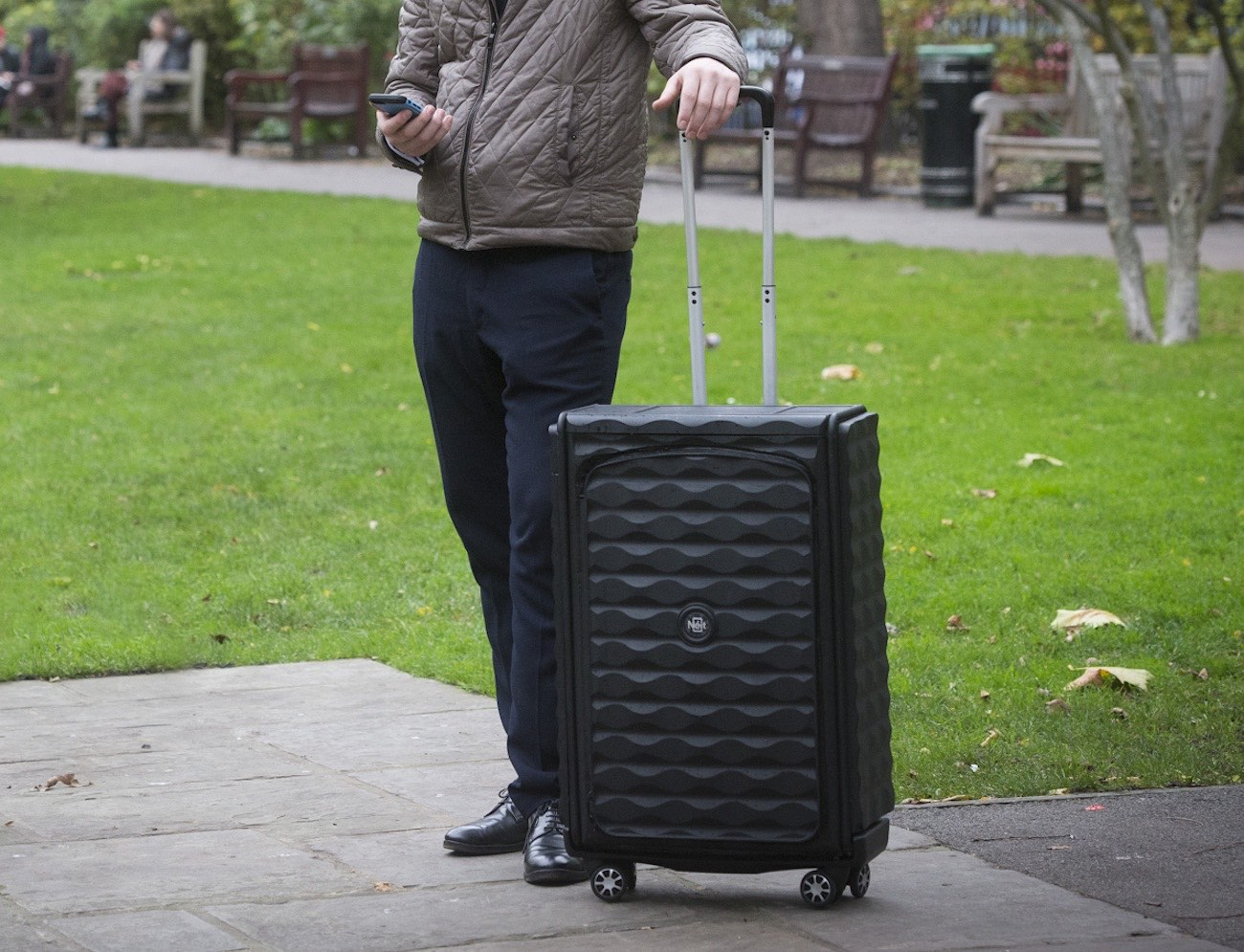 Néit Luggage – Revolutionary Smart, Collapsible Hard Case Luggage