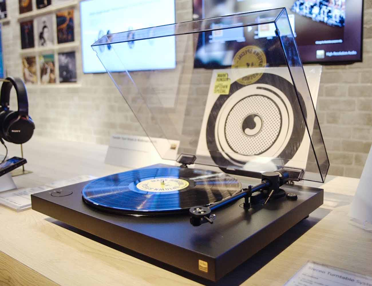 PS-HX500+Vinyl+TurnTable+From+Sony