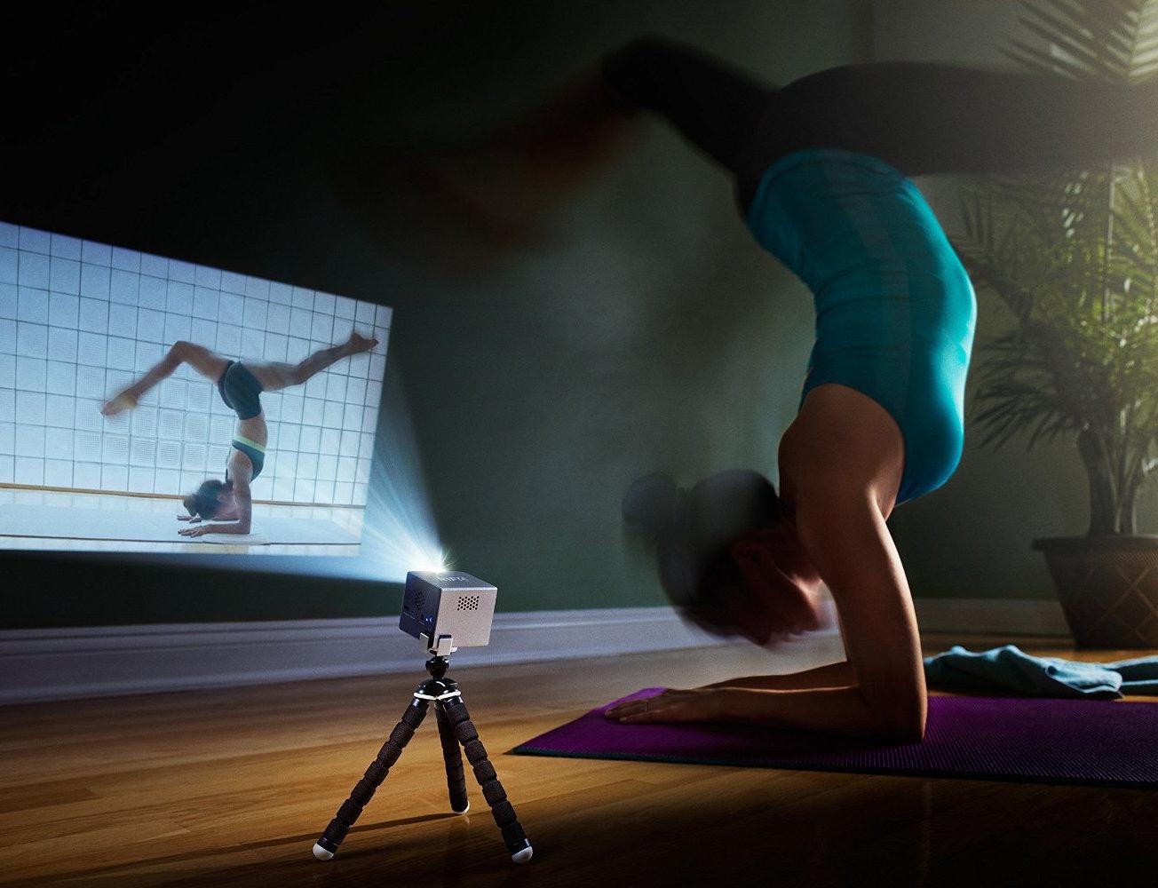 rif6-cube-pico-projector-01