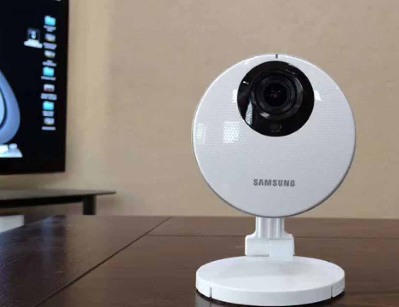 Samsung SmartCam HD Pro Wi-Fi Camera