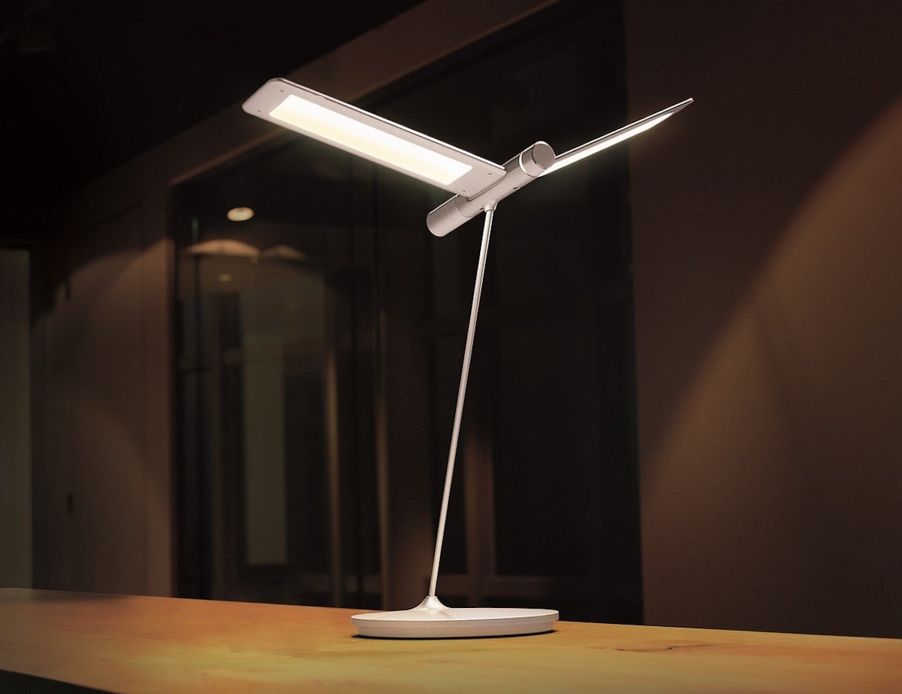 seagull led desk lamp by qisdesign gadget flow. Black Bedroom Furniture Sets. Home Design Ideas
