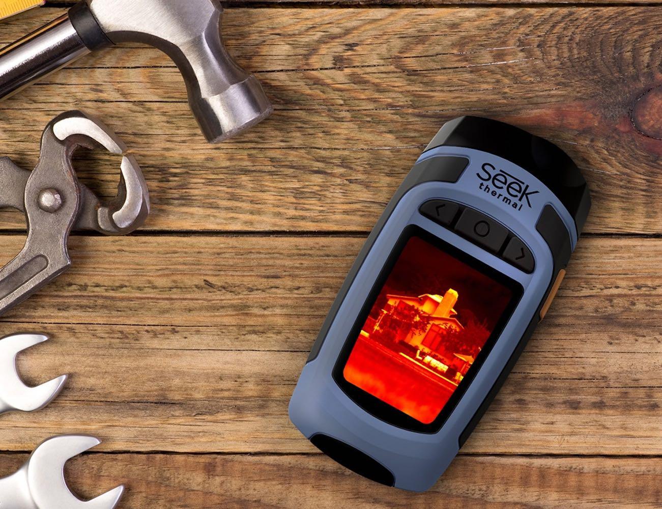 Seek Reveal Handheld Thermal Imager and Spotlight